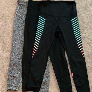 Lot of 3 Gap Maternity gfast leggings - Medium